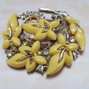 Vintage Thermoset Yellow leaves brooch